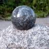 kula-z-kamienia-granit-wazony24
